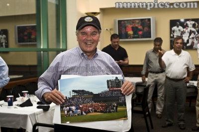 /nunus-photos-a-stuff/sports-photos/item/182-mayor-daley-with-the-cubs-hawks-and-sox-team-pic-of-the-2010