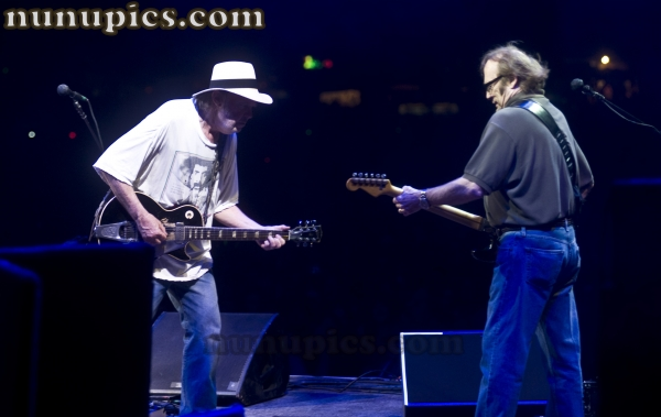 Neil Young & Steven Stills  Buffalo Springfield Reunion Bonnaroo 2011