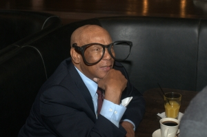 Cubs legend Ernie Banks wearing over-sized Harry Carey glasses 2010