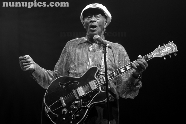 Chuck Berry Jan 1 2011 Congress Theatre Chicago Il
