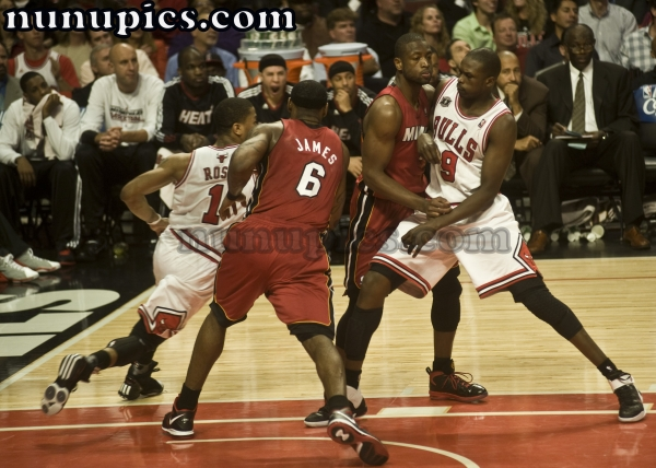 Luol Deng Sets a screen game 5 Eastern Conference finals may 26 2011