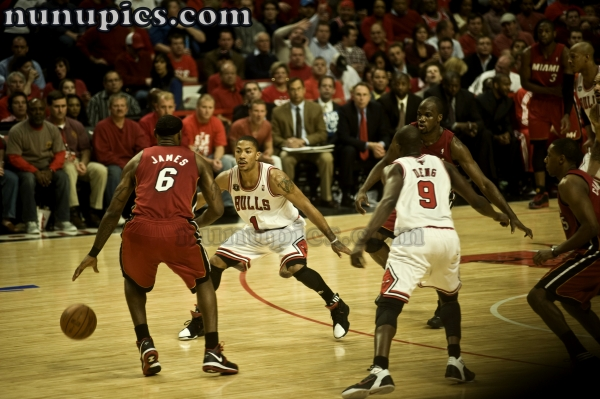 Lebron James and the Heat Take on the Chicago Bulls Game 5 eastern conference finals