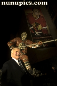 Bobby Hull gets his statue at United Center october 22 2011
