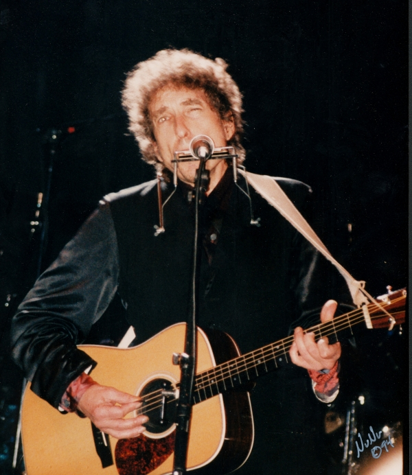 Bob Dylan performs at Riviera Theater, Chicago on March 18th 1994