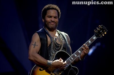Lenny Kravitz  Feb 2012 Chicago Theater