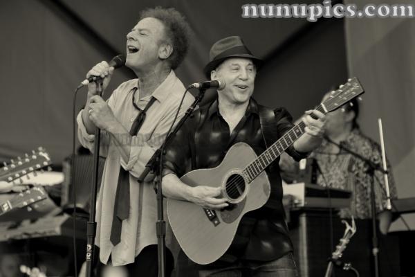 Paul Simon & Art Garfunkel Jazz  & Heritage Fest 2010 Homeward Bound
