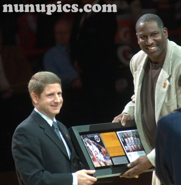 Cliff Levingston  gets introduced at  1991 20th Anniversary Chicago Bulls Reunion March 12 2011