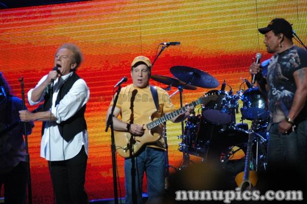 Aaron Neville and Simon And Garfunkel Madison Square Garden 2005