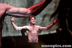 Shirtless Charlie Sheen Violent Torpedo Of Truth Defeat Is Not Option Tour 2011
