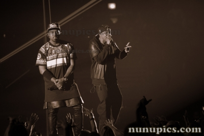/nunus-photos-a-stuff/musician-photos/item/190-watch-the-throne-tour-dec-1-2011-jay-z-kenye-west-united-center-chicago